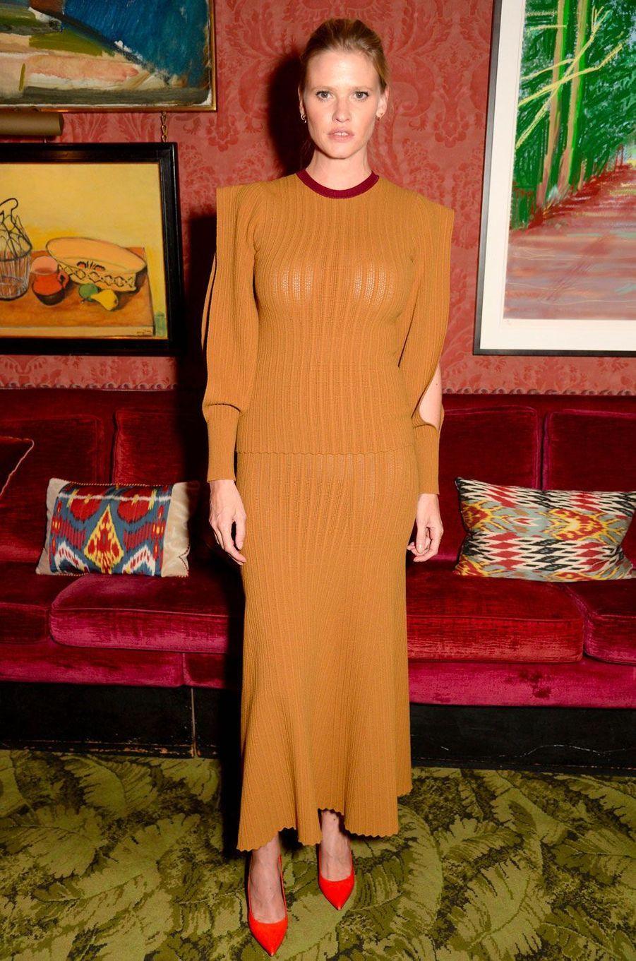 """Lara Stone à la soirée anniversaire """"Victoria Beckham x Vogue"""", à Londres le 16 septembre 2018"""
