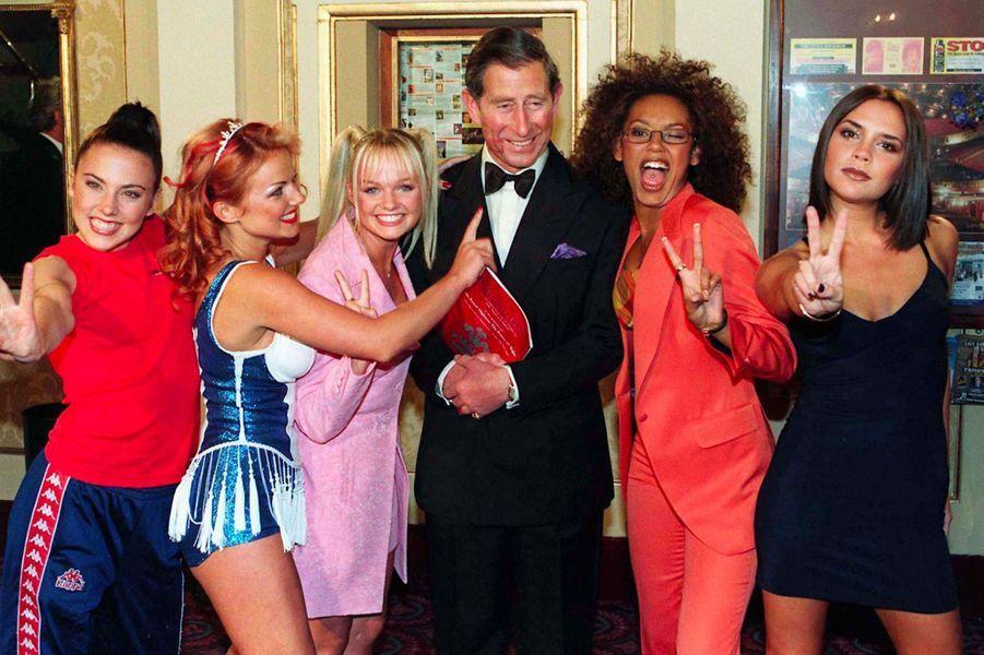 Les Spice Girls avec le prince Charles, le 9 mai 1997