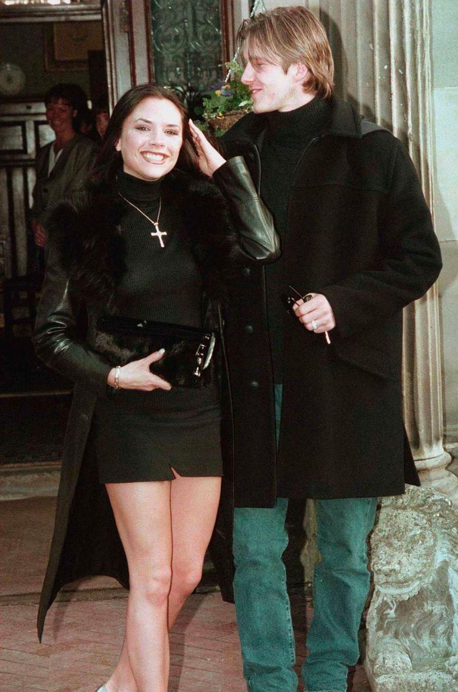 Victoria Beckham, aka Posh Spice, avec David Beckham le 25 janvier 1998