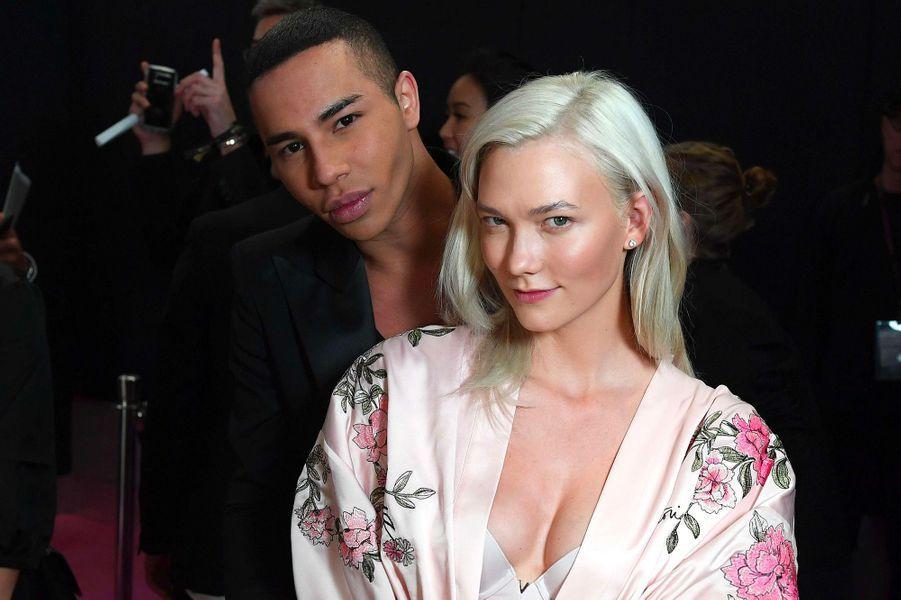 Karlie Kloss avec Olivier Rousteing en coulisses du défilé Victoria's Secret à Shanghai