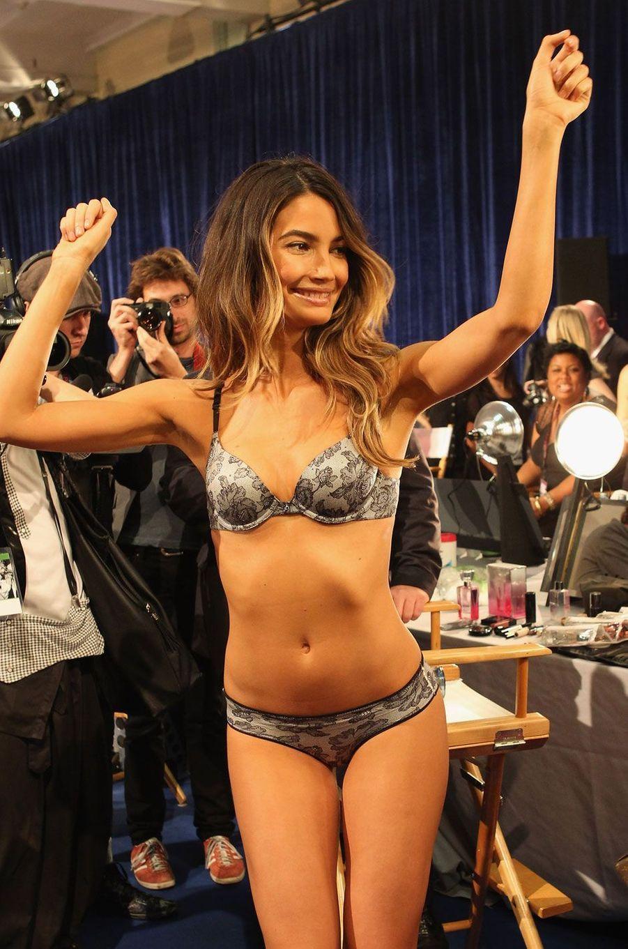 Lily Aldridge était enceinte pour le show Victoria's Secret en 2011