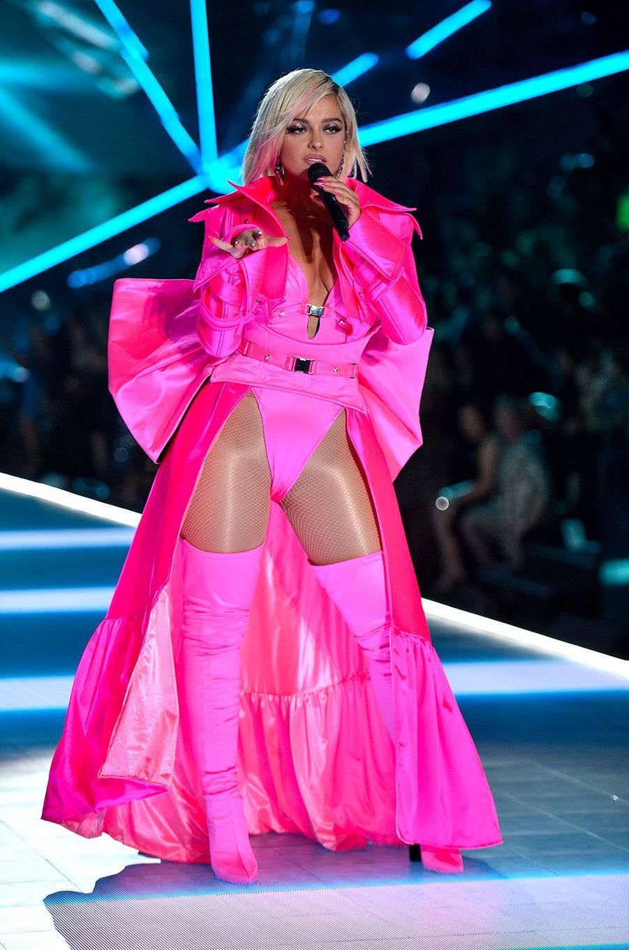 Bebe Rexha au défilé Victoria's Secret 2018, à New York