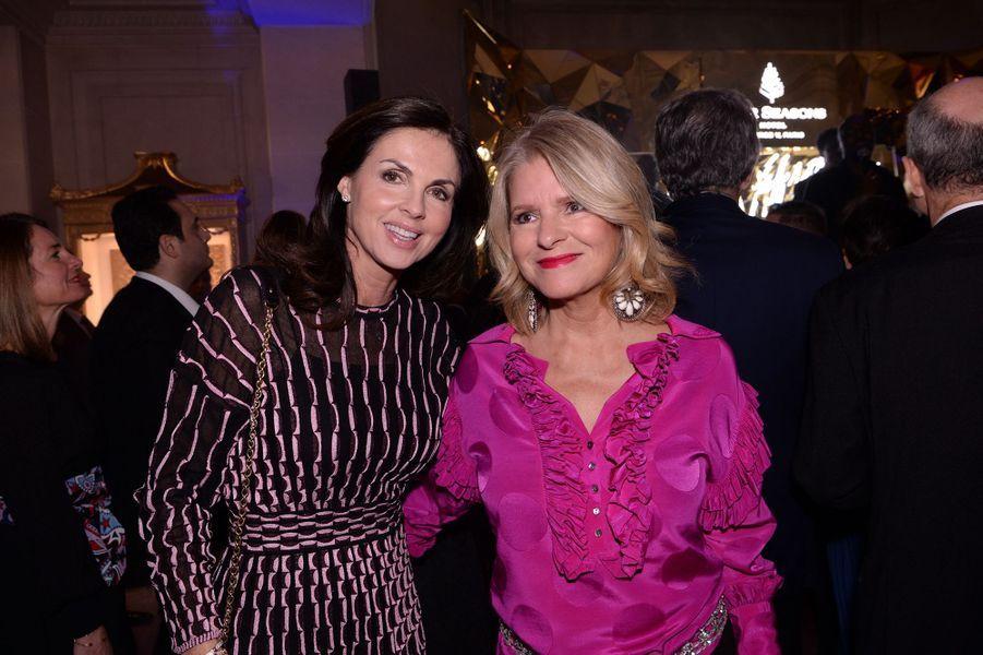 Caroline Barclay et Lolita Lempickaau Four Seasons Hotel George V à Paris le 7 décembre 2019