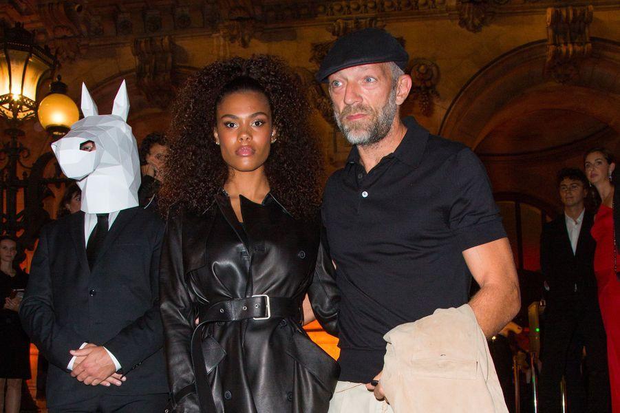 Tina Kunakey et Vincent Cassel à la soirée Longchamp à l'Opéra Garnier, à Paris, mardi 11 septembre