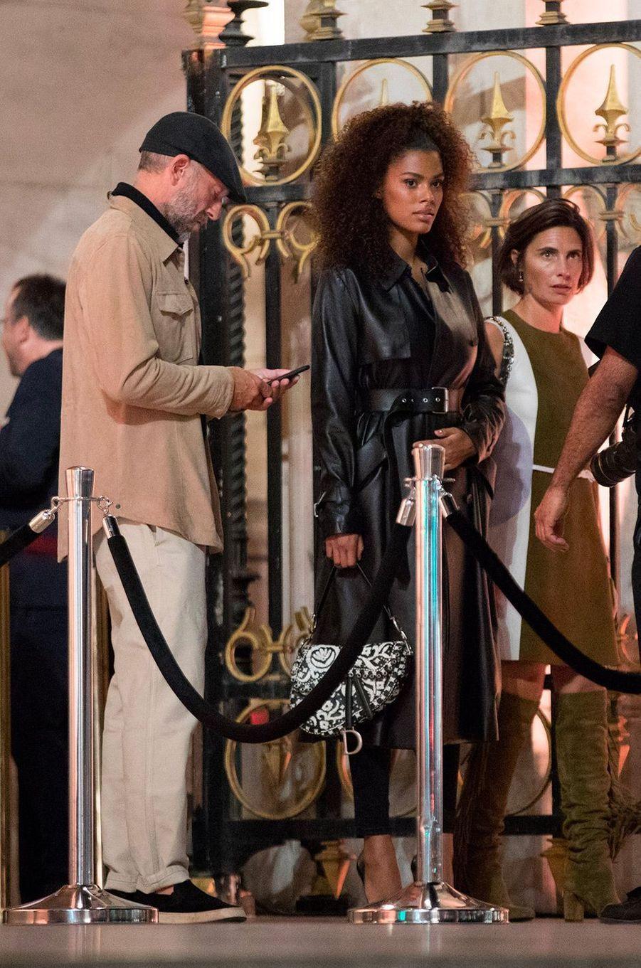 Tina Kunakey et Vincent Cassel avec Alessandra Sublet à la soirée Longchamp à l'Opéra Garnier, à Paris, mardi 11 septembre