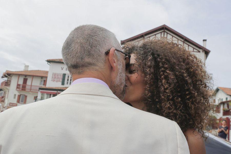 Vincent Cassel et Tina Kunakey le jour de leur mariage à Bidart (Pyrénées-Atlantiques) le 24 août 2019