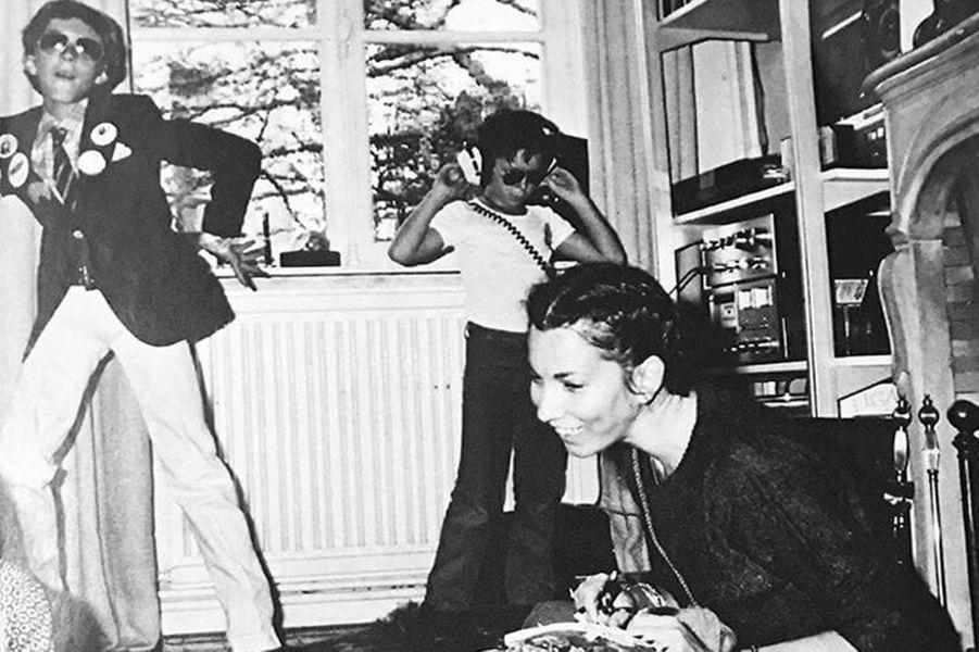Vincent Cassel, avec sa mère et son frère, quand il était enfant