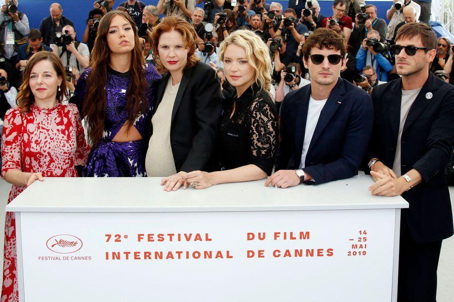 L'équipe de «Sibyl»au Festival de Cannes le 25 mai.