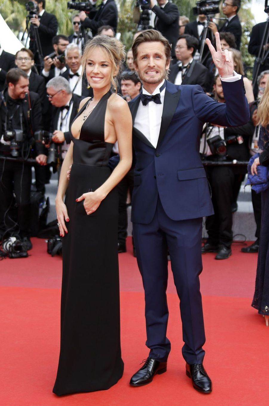 Elodie Fontan et Philippe Lacheau lors de la montée des marches du film «Once Upon A Time In Hollywood» à Cannes le 21 mai 2019