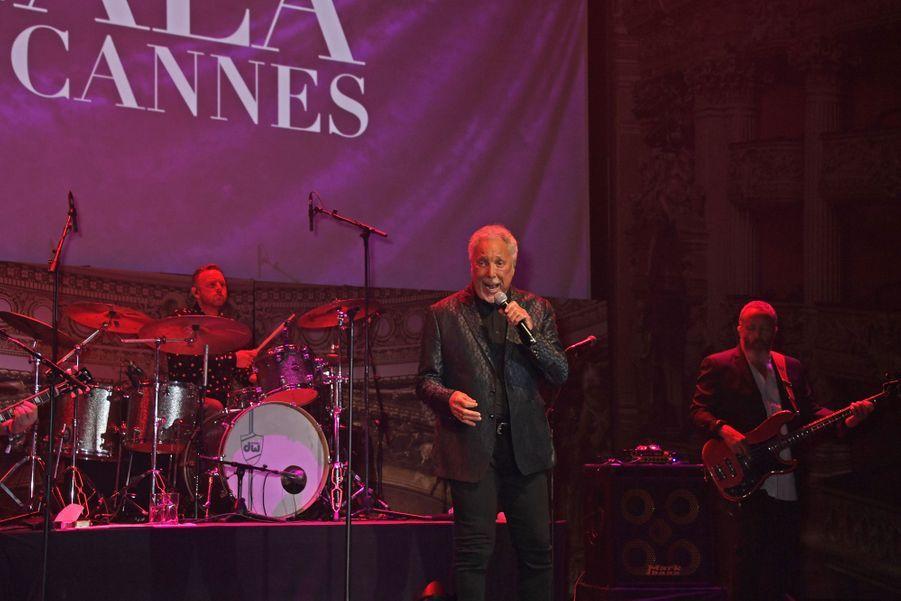 Tom Joneslors duGala de l'amFAR à Cannes, le 23 mai 2019