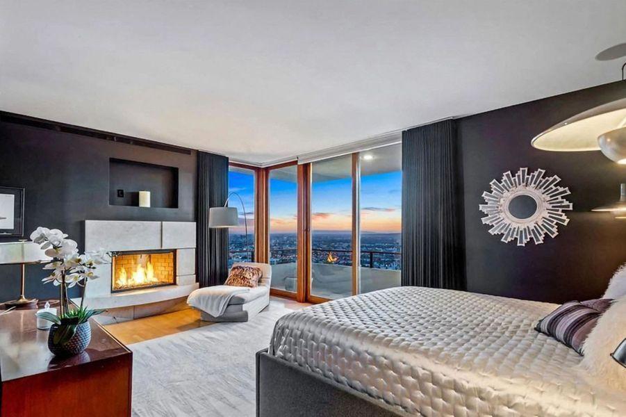 La villa de Zac Efron à Los Angeles, située à Los Feliz, a été mise en vente pour 5,9 millions de dollars