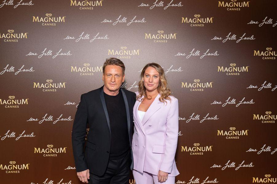 Benoît Magimel et son épouse Margotà la soirée du film «Une fille facile» sur la plage Magnum lors du 72e Festival de Cannes le 20 mai 2019
