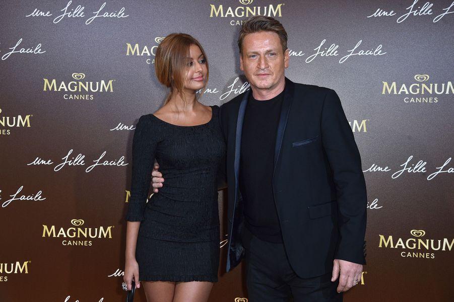 Zahia Dehar et Benoît Magimelà la soirée du film «Une fille facile» sur la plage Magnum lors du 72e Festival de Cannes le 20 mai 2019