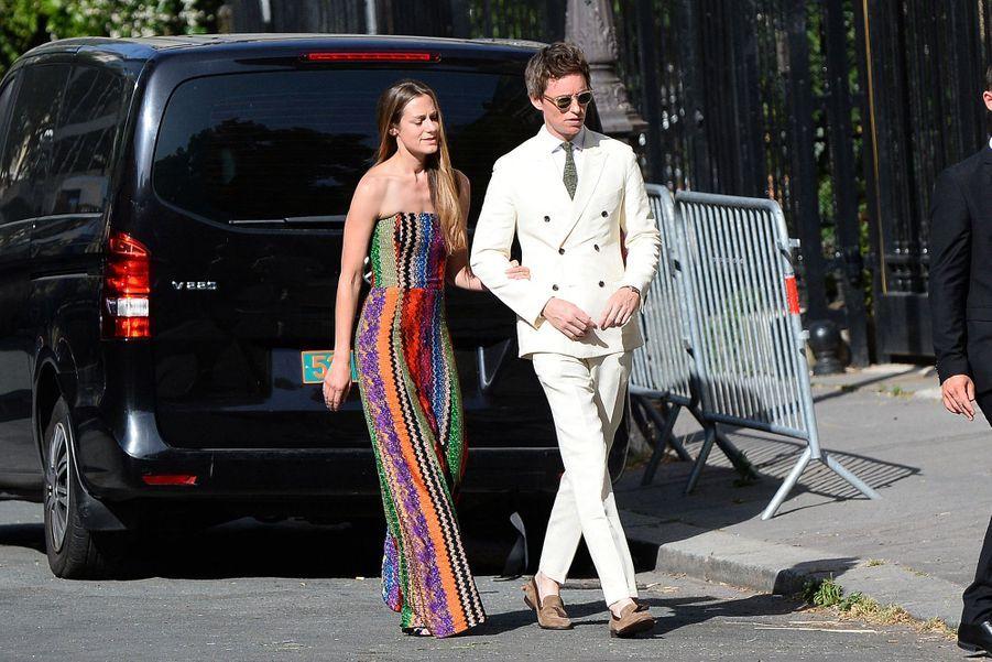 Eddie Redmayne et son épouse Hannahse rendentau mariage de Zoë Kravitz et Karl Glusman organisé à l'hôtel particulier de Lenny Kravitz à Paris le 29 juin 2019