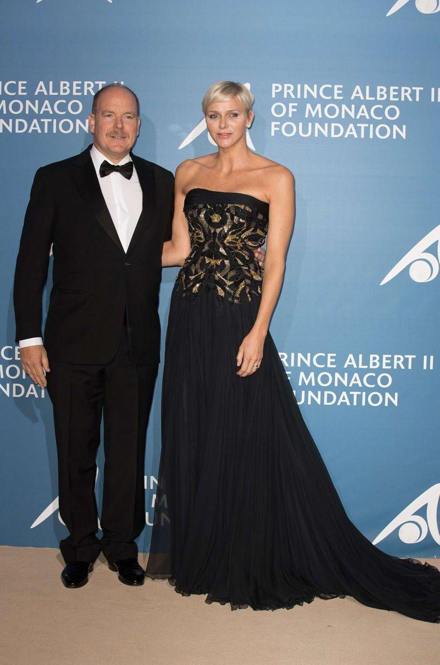 Le prince Albert II de Monaco et la princesse Charlène lors du premier Monte-Carlo Gala pour l'Océan à Monaco, le 28 septembre 2017