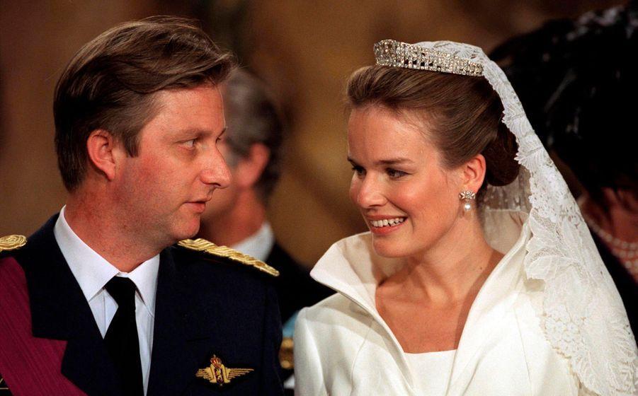 Le prince Philippe de Belgique et Mathilde d'Udekem d'Acoz, à Bruxelles le 4 décembre 1999, jour de leur mariage