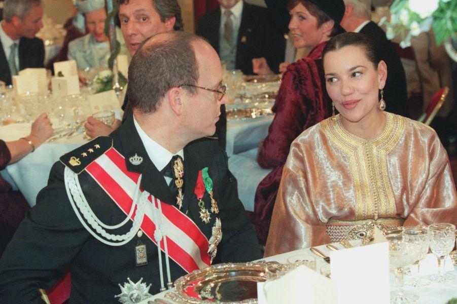 Le prince Albert de Monaco et la princesse Hasnaa du Maroc, à Bruxelles le 4 décembre 1999