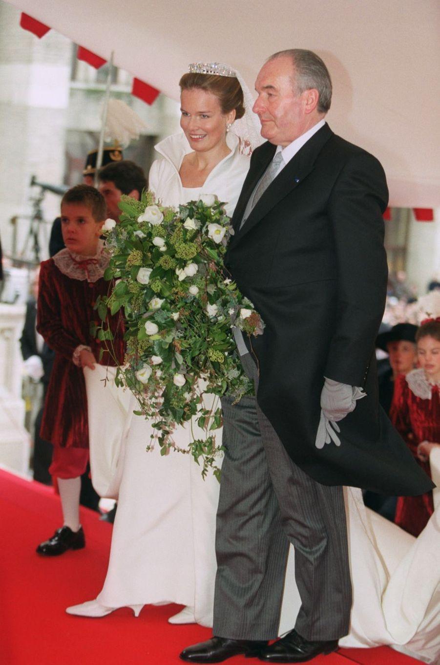 Mathilde d'Udekem d'Acoz, à Bruxelles le 4 décembre 1999, jour de son mariage avec son père