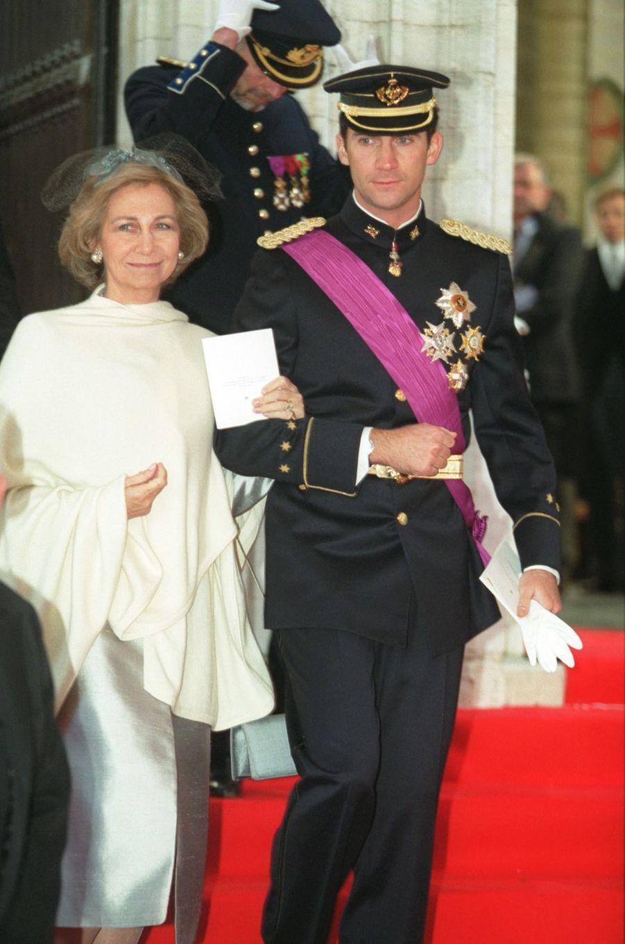 La reine Sofia d'Espagne et le prince Felipe, à Bruxelles le 4 décembre 1999