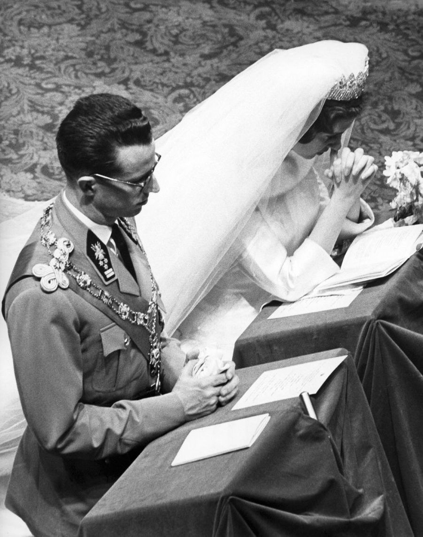 Le roi des Belges Baudouin et Fabiola de Mora y Aragon, le jour de leur mariage à Bruxelles, 15 décembre 1960