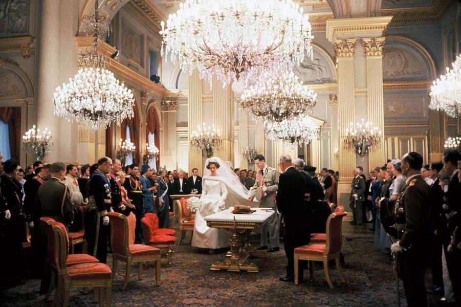 Le mariage civil du roi des Belges Baudouin et de Fabiola de Mora y Aragon, au Palais royal à Bruxelles, 15 décembre 1960