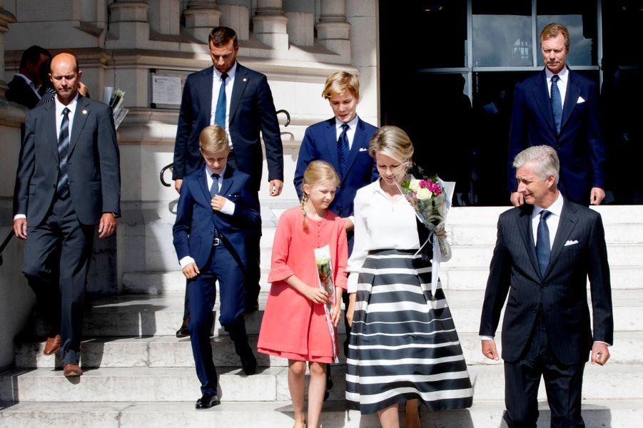 La reine Mathilde et le roi des Belges Philippe avec leurs enfants et le grand-duc Henri de Luxembourg à Laeken, le 8 septembre 2018