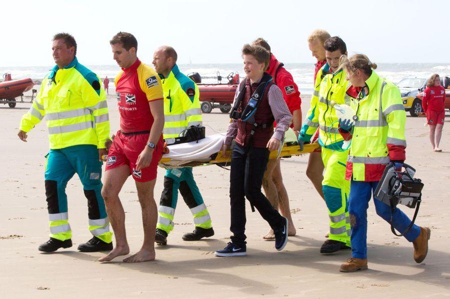 Le prince Gabriel de Belgique sur la plage de Middelkerke, le 1er juillet 2017