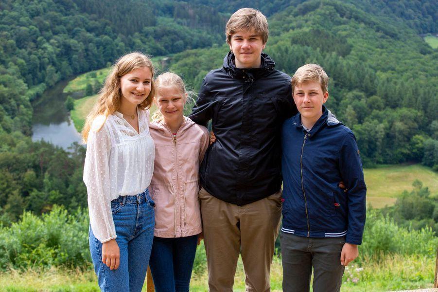 Les princesses Elisabeth et Eléonore et les princes Gabriel et Emmanuel de Belgique à Botassart, le 28 juin 2020