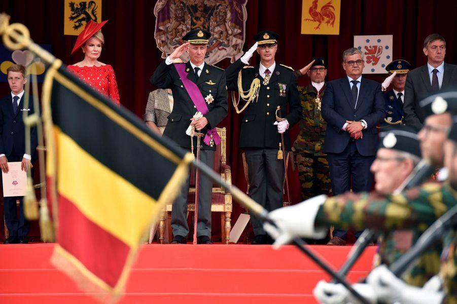La Famille Royale Belge Au Défilé De La Fête Nationale ( 1