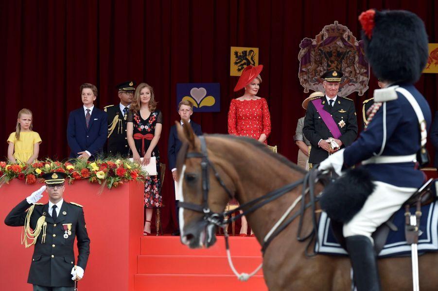 La Famille Royale Belge Au Défilé De La Fête Nationale ( 12