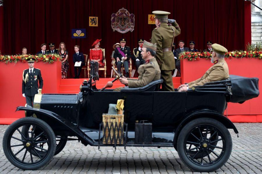 La Famille Royale Belge Au Défilé De La Fête Nationale ( 13
