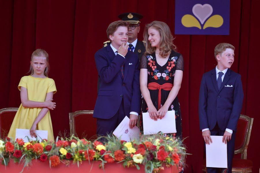 La Famille Royale Belge Au Défilé De La Fête Nationale ( 16