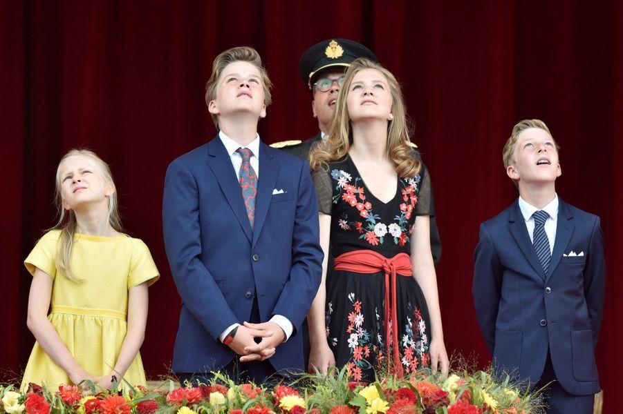 La Famille Royale Belge Au Défilé De La Fête Nationale ( 9