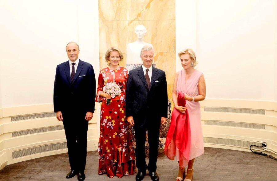 Le Roi Et La Reine Des Belges Au Concert En Prélude À La Fête Nationale ( 1