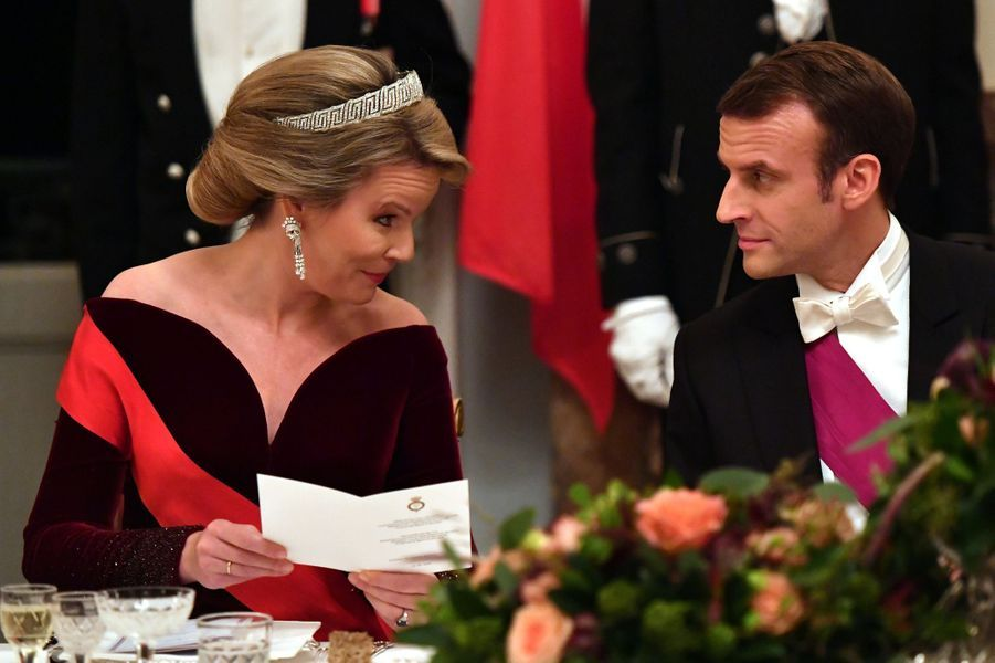 La reine Mathilde de Belgique avec Emmanuel Macron, à Bruxelles le 19 novembre 2018