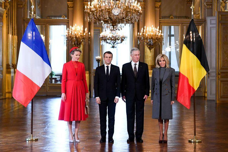 La reine Mathilde et le roi des Belges Philippe avec Emmanuel et Brigitte Macron, à Bruxelles le 19 novembre 2018