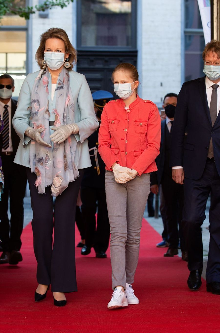 La reine des Belges Mathilde et la princesse Eléonore de Belgique à Bruxelles, le 14 mai 2020