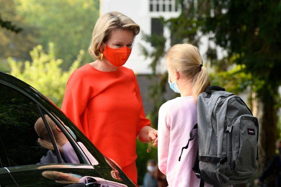 La princesse Eléonore de Belgique avec sa maman la reine des Belges Mathilde à Wezembeek-Oppem, le 1er septembre 2020