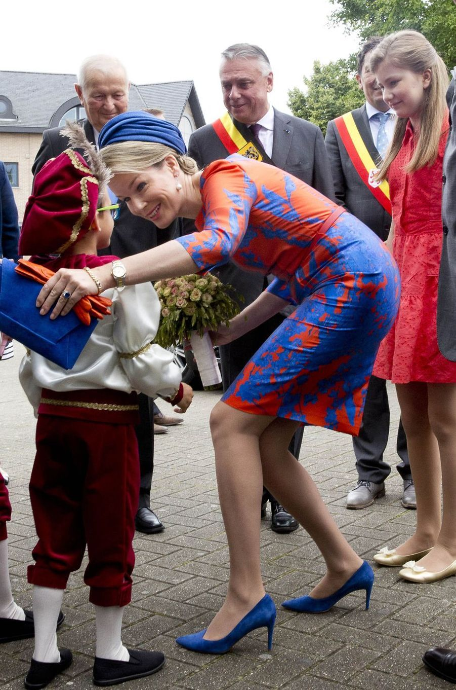 La princesse Elisabeth avec la reine Mathilde de Belgique à Tongres, le 1er juillet 2016