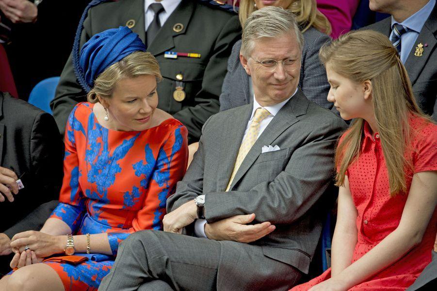 La princesse Elisabeth avec la reine Mathilde et le roi Philippe de Belgique à Tongres, le 1er juillet 2016