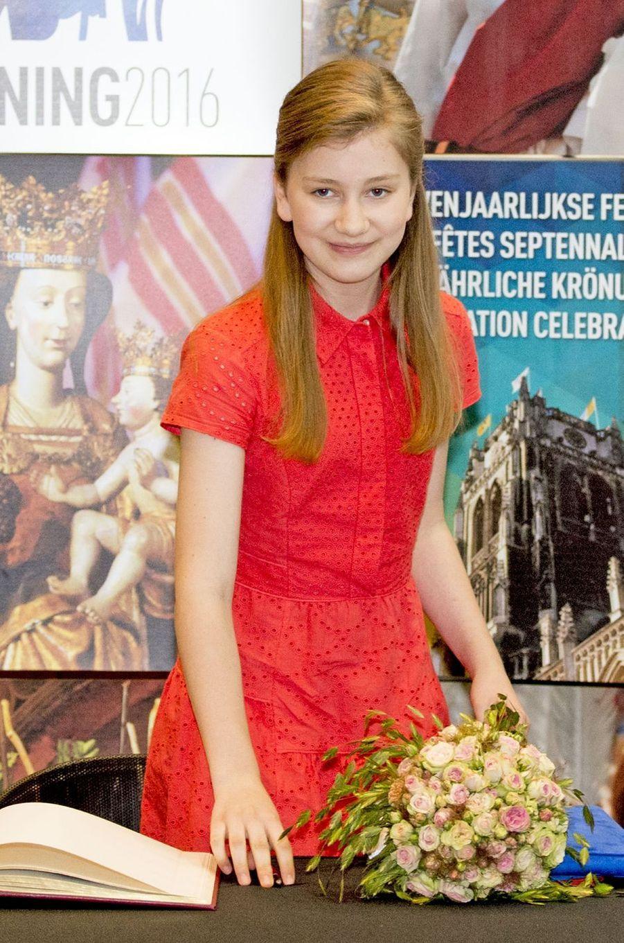 La princesse Elisabeth de Belgique à Tongres, le 1er juillet 2016