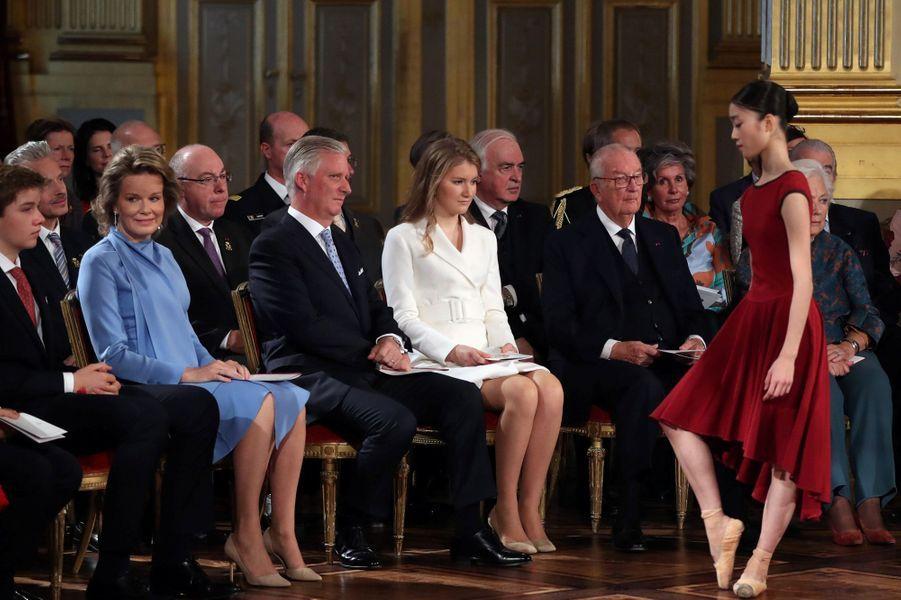 La princesse Elisabeth de Belgique avec ses parents et son frère le prince Gabriel à Bruxelles, le 25 octobre 2019