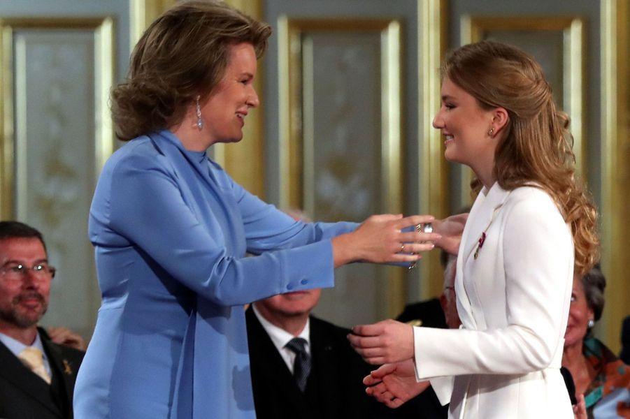 La princesse Elisabeth de Belgique avec sa mère la reine des Belges Mathilde à Bruxelles, le 25 octobre 2019