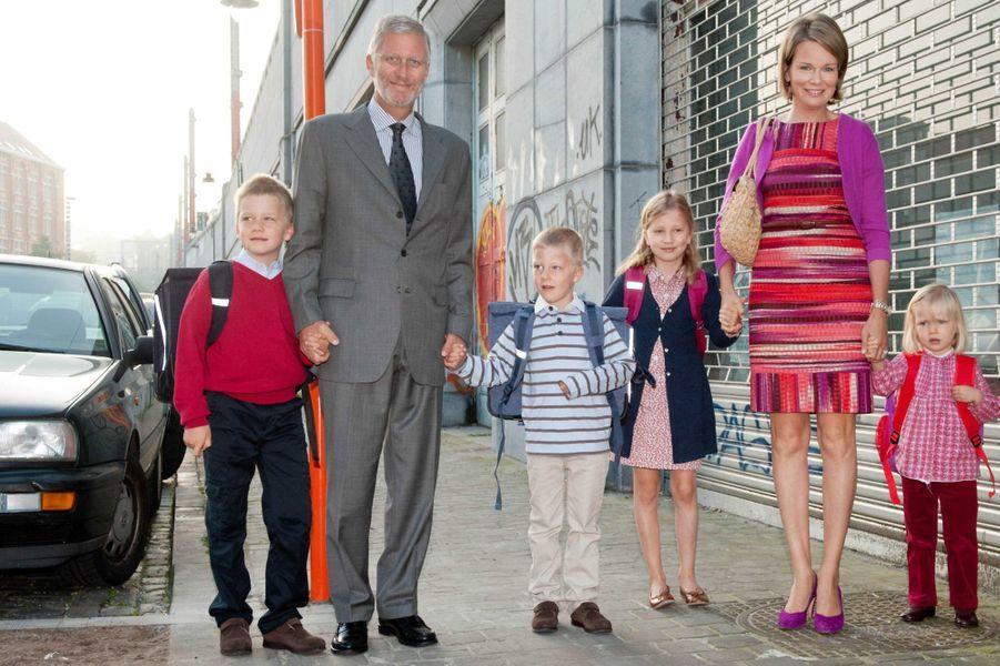 La princesse Elisabeth de Belgique avec ses parents, ses frères et sa sa soeur, le 1er septembre 2011