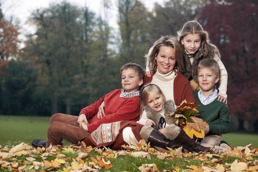 La princesse Elisabeth de Belgique avec sa mère, ses frères et sa soeur, le 10 janvier 2013