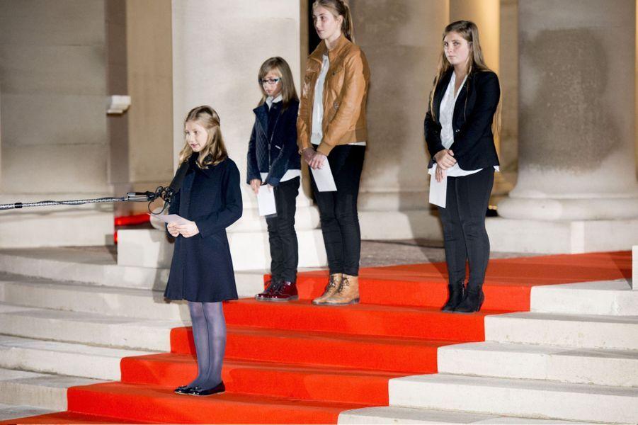 La princesse Elisabeth de Belgique prononce son premier discours, le 17 octobre 2014