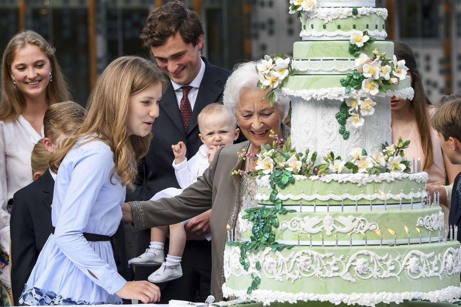 La princesse Elisabeth de Belgique lors de la fête des 80 ans de sa grand-mère, l'ex-reine Paola, le 29 juin 2017