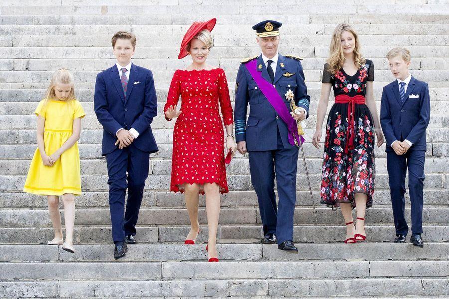 La princesse Elisabeth de Belgique avec ses parents, ses frères et sa sa soeur, le 21 juillet 2018