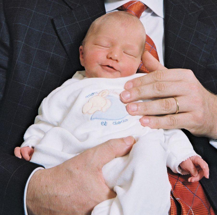 La princesse Elisabeth de Belgique à trois jours, le 28 octobre 2001