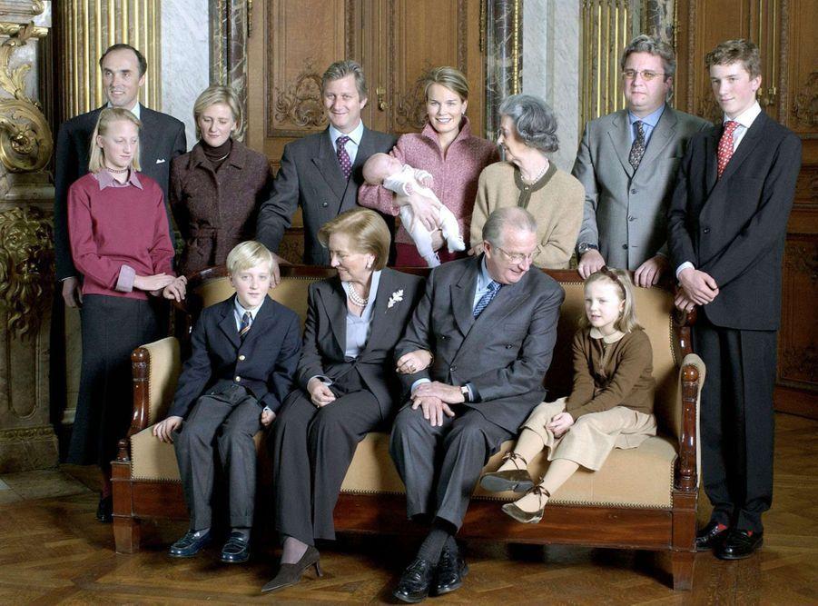 La princesse Elisabeth de Belgique avec ses parents et la famille royale de Belgique, le 8 janvier 2002